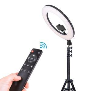 New Ring Light 18Tums info. om du älskar att ta bilder och göra videor, men alltid har svårt att hitta den perfekta belysningen, då är detta produkten för dig.
