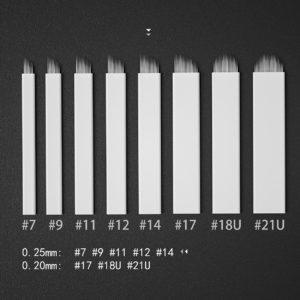 Microblading nål #14 är nålar som sitter tätt i en rad.