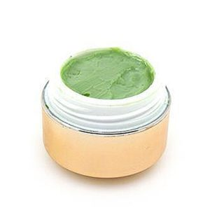 Cream Remover för borttagning av tidigare gjorda fransförlängningar.