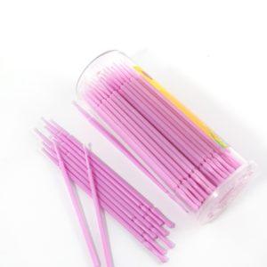 Microborste är en superliten borste för att rengöra mellan kundens fransar.