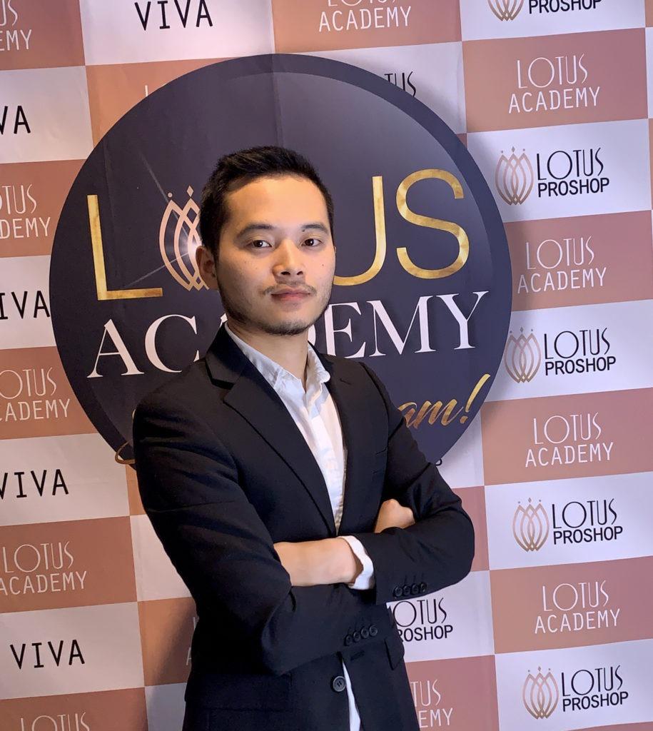 Leon Yang VIVIA träning, din lärare i vår utbildning i kosmetisk tatuering.